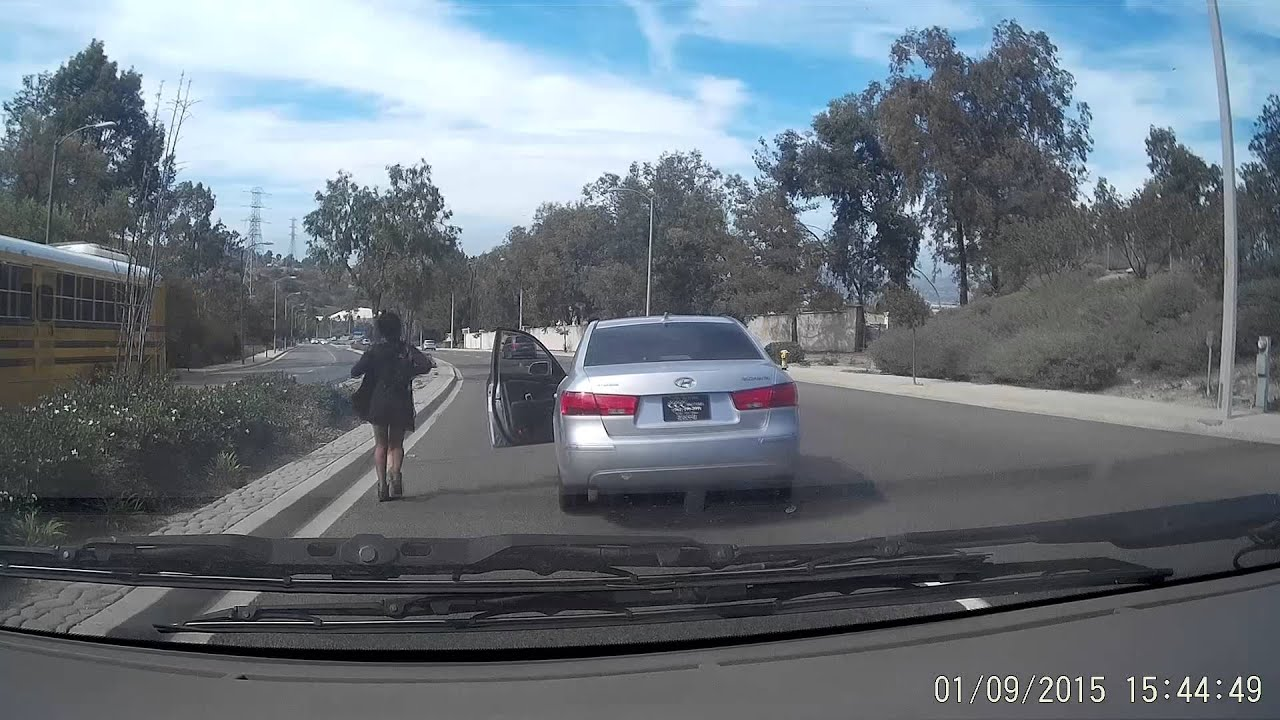 There Are Bad Drivers And Then Theres This Woman