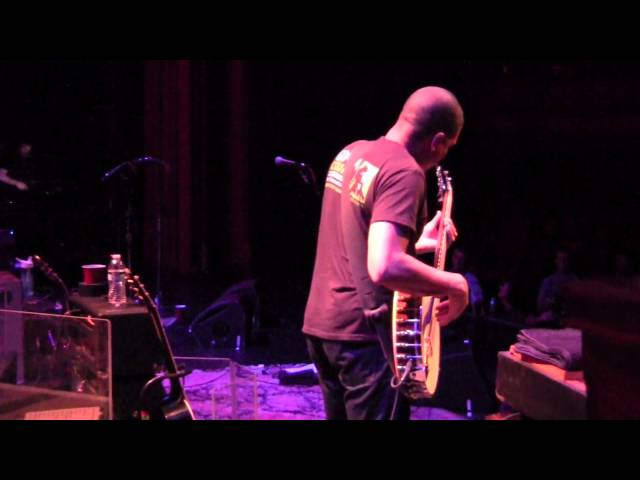 Oteil Banjo Bass Solo with Tedeschi Trucks Band