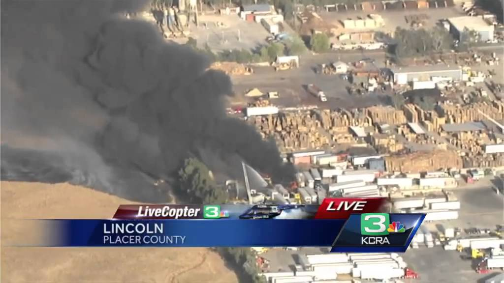 Black smoke billows from commercial fire in Lincoln