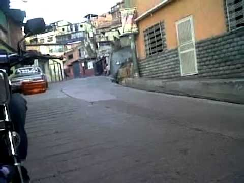 MOTO CABALLITO EN VUELTA EL GATO PETARE JULIO POINT PARTIENDO STOP.mp4