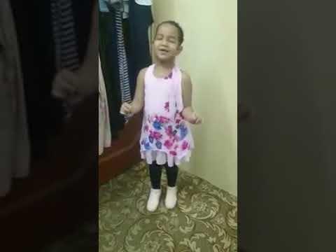 طفله سودانيه ترقص على انغام اغنيه سودانيه بطريقه جميله😂 thumbnail