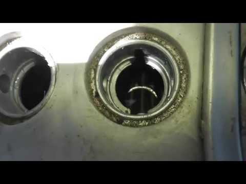 Уровень электролита в аккумуляторе, Какой нужен?(сколько долить дистиллированной воды в аккумулятор)