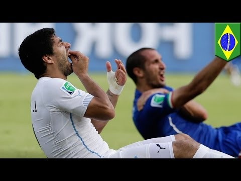 World Cup 2014: Luis Suarez bites again in Uruguay's win over Italy