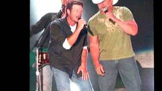 Download Lagu Blake Shelton & Trace Adkins - Hillbilly Bone - CMA Fest 2010 Gratis STAFABAND