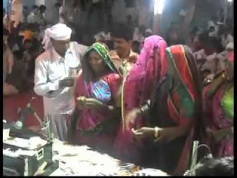 gujarati dayro bhajan kirtidan gadhvi