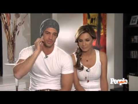 William Levy y Elizabeth Guti érrez detrás de cámaras - People en Espanol