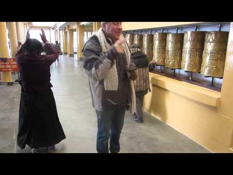 Dalai lama's temple Walk & Wheels - Templo del Dalai Lama Caminata y Oracion - Dharamsala India #1
