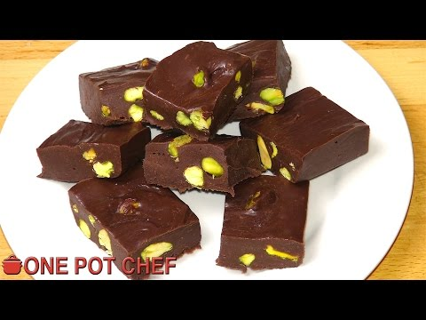 Chocolate Nut Fudge - CHRISTMAS RECIPE