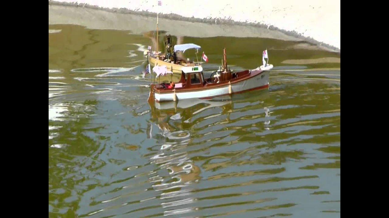 African queen versus victoria steam model boats wmv youtube