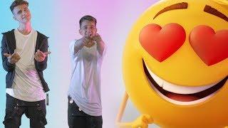 Adexe y Nau - Emoji (La Película) - (Videoclip Oficial)