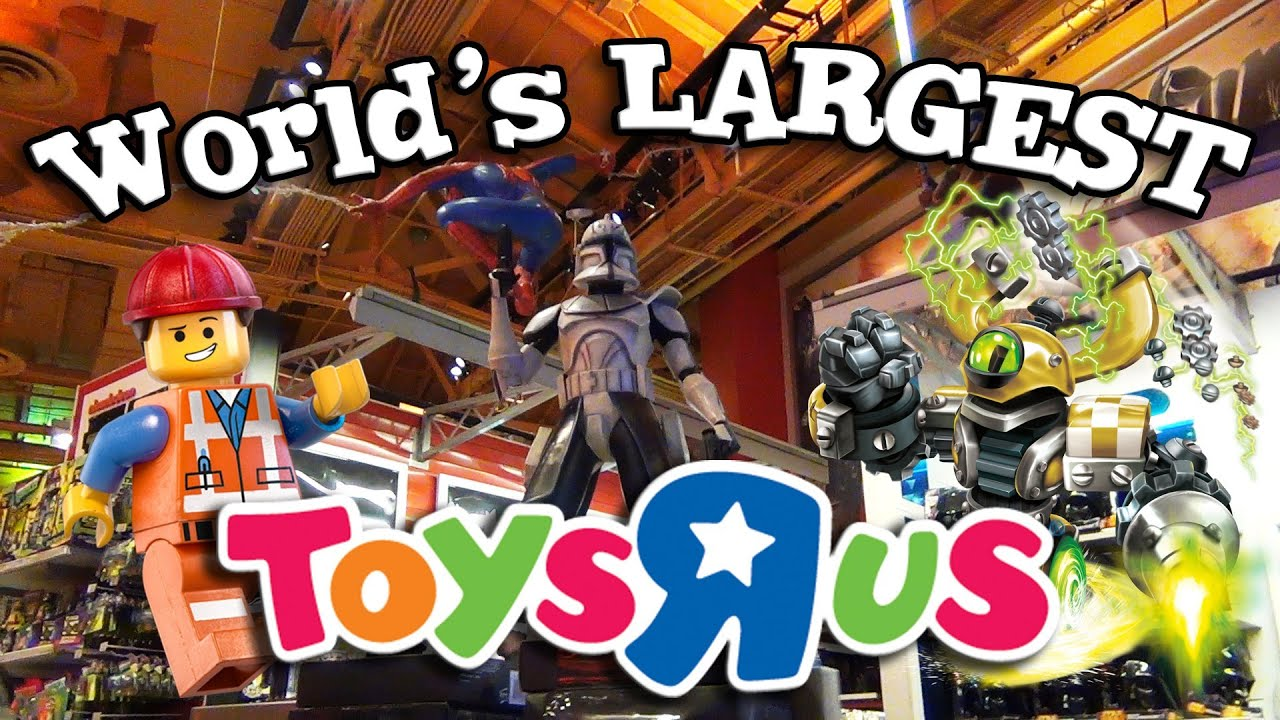 World 39 s largest toys r us behind the scenes in new york - Maisonnette toys r us ...