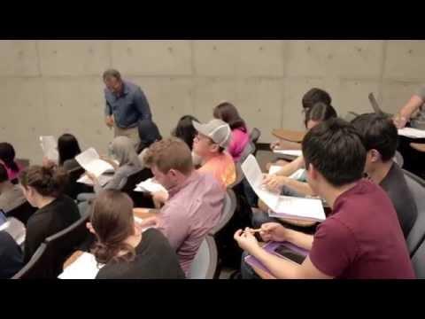 Biology Professor uses Flipped Classroom method