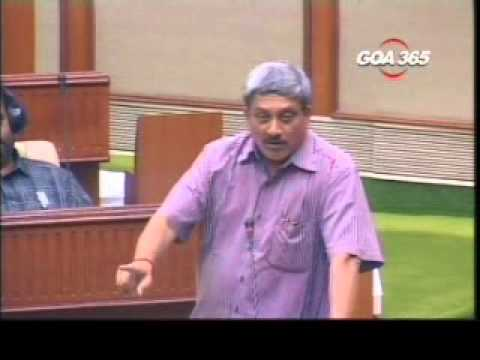 Shocking Image of a School Boy gulping down Gutka Forced  Parrikar to Ban its Sale  in Goa