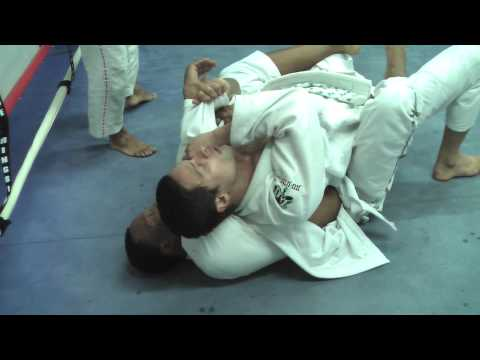 Basic rear mount escape with Jamie Alexandrino Image 1
