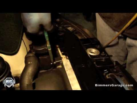 BMW Radiator Fan Shroud Removal : DIY [ How To ] /// 330i (E46)