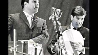 Chura le Na Tumko Ye Mousam Suhana ---tribute to mukesh ji by hashim khan.wmv
