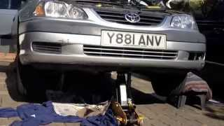Oil filter change TOYOTA D 4D. Avensis
