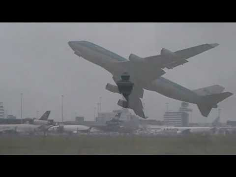 KLM Boeing 747-400 takeoff RW 24