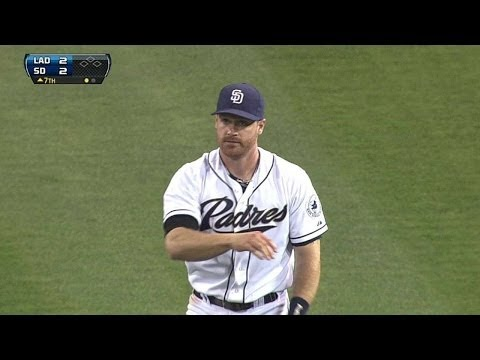 LAD@SD: Forsythe twists body to make tough catch