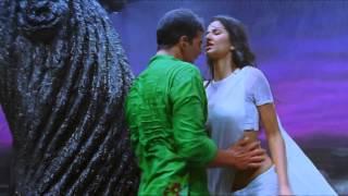 Katrina Kaif Hot navel and body touch white sareeGale lag ja Reedited
