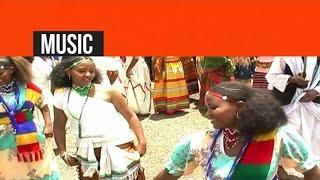 Eritrea - Desta Angosom - ይፈርሕ ኣለኹ / Yferh Aleku - (Official Video) - New Eritrean Music 2015