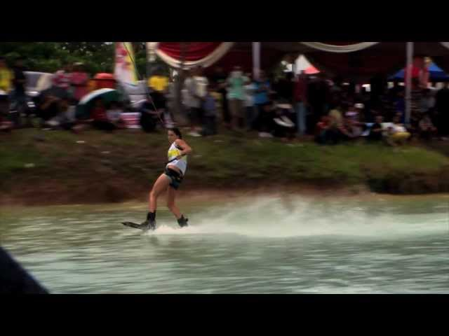 Wakeboard World cup - Womens final - Palembang 2012 - with Amber wing, Raimi Merrit