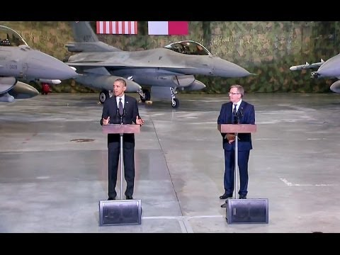 President Obama and President Komorowski Meet with U.S. and Polish Airmen
