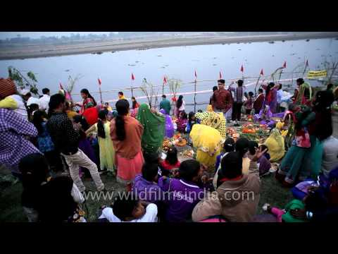 Chhath Celebration On The Banks Of River Yamuna In Delhi video