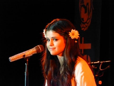 Selena Gomez Sings who Says  Best Buy Theater Nyc 2013 video