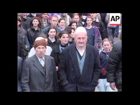 KOSOVO: PRISTINA: ETHNIC ALBANIANS PROTEST AGAINST SERBIAN RULE