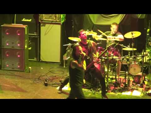 DevilDriver - Head on to Heartache (Let Them Rot) (Live at Los Angeles 9/27/11) (HD)