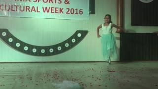 Aisa Kyun Maa Ananya dance