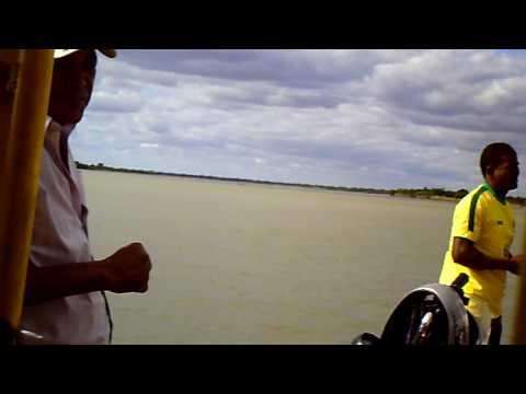 travessia da balsa no rio são francisco barra bahia