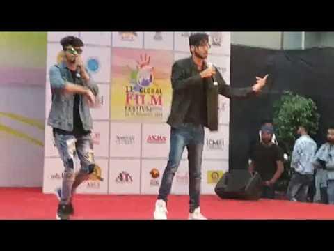 Download  Tribute To Yo Yo Honey Singh   Cho Cho Chaudhary Live Performing In Filmcity   Marwah Studio   AAFT Gratis, download lagu terbaru