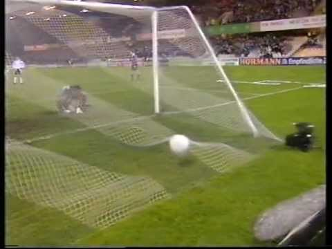 Northern Ireland 5 - 3 Austria - Iain Dowie's Goal