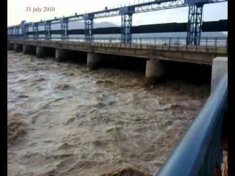 Shahbaz Sharif (Mianwali Flood 2010)
