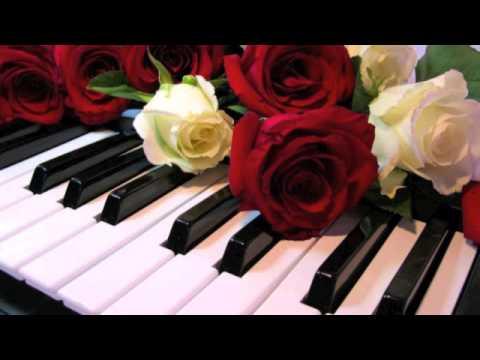 Clases de piano leccion 1 pentagrama notas en el piano for Tu jardin con enanitos acordes
