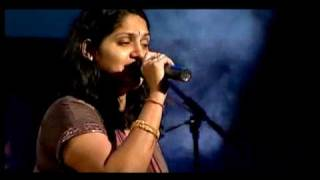 Ninnukori varanam by Harini - The Mementos concert