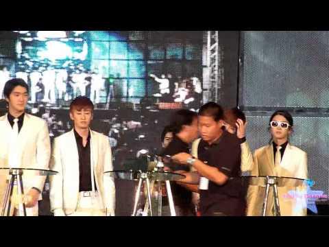 [FanCam] 100326 Super Junior Motor Show @ Bitec Bangna   Photo Shot [dongrim]