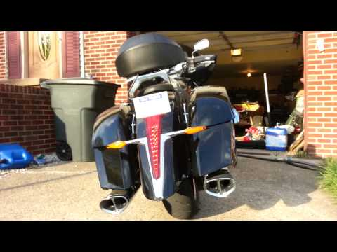 2013 Victory Cross Country with the Victory Tri-Oval exhaust review