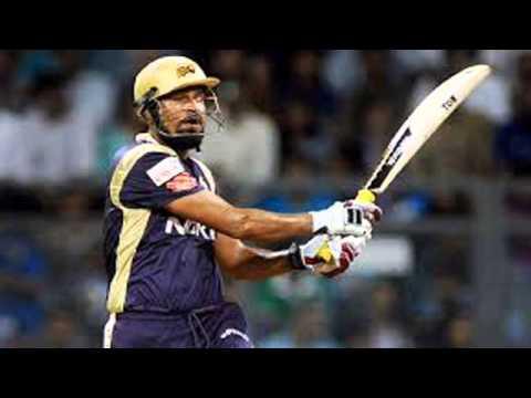 Cricketer Yusuf Pathan slaps jeering spectator
