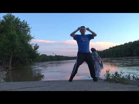 In this video Dustins Dojo shows you how to punch many attackers from many different angles. No i am not a hologram. Mcjuggernuggets is not my brother. I am not getting fatter, I do not have...