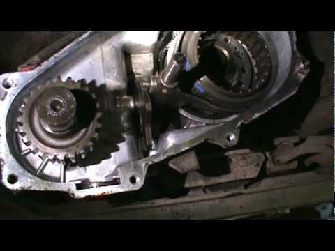 NP231 transfer case chain removal.