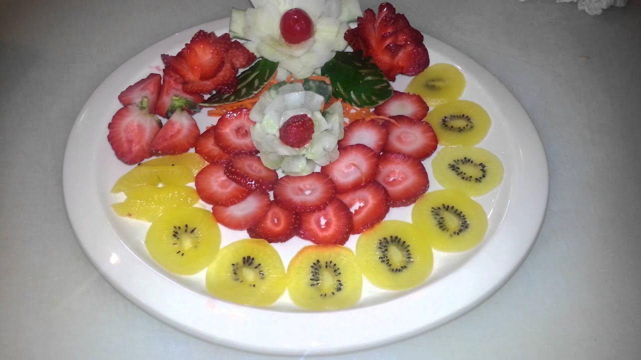 Como decorar un plato de frutas youtube for Como secar frutas para decoracion