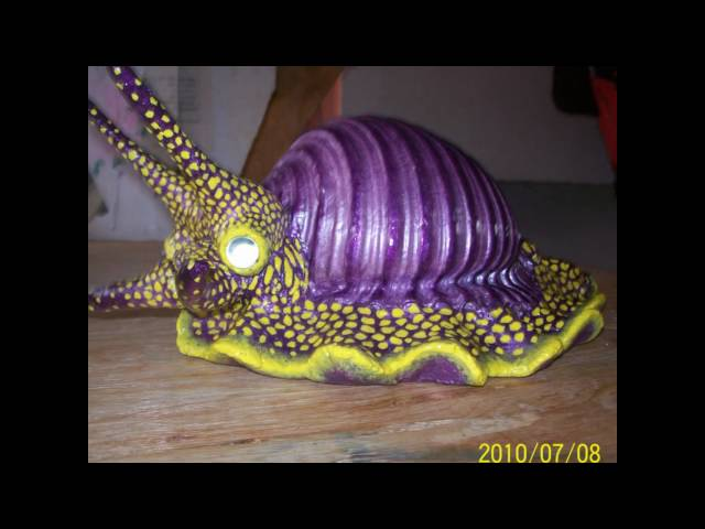 caracol marino hecho de material reciclado