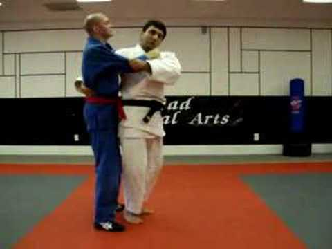 Judo: Koshi Waza - O goshi - Full hip throw Image 1