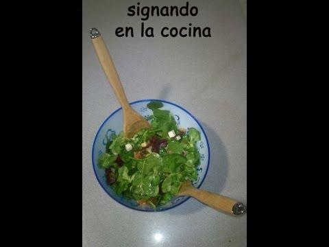 """Receta de """"Ensalada aromatizada con queso azul"""" en Lengua de Signos"""