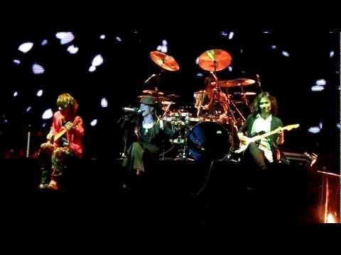 Larc En Ciel - Hitomi no Jyuunin 瞳の住人 (Live in Singapore...