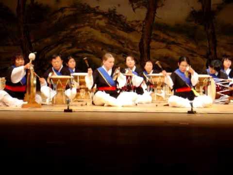 bonus으로. gugakwon samulnori class, 2006.