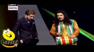 How a Comedian is Making Fun of Umair Jaswal in Lux Style Awards 2016